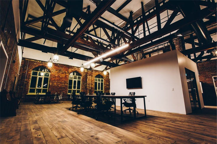 When To Partner With A Digital Agency: Outsource Or Hire Internally?