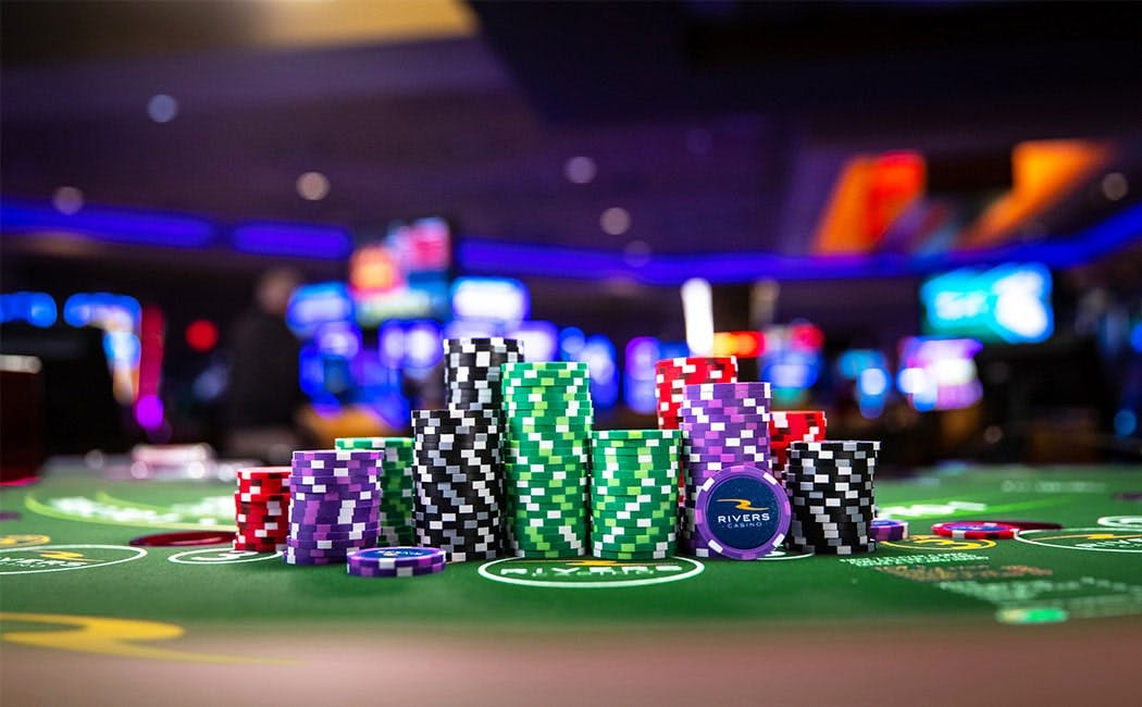 How Does a Land-Based Casino Work?